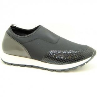 Dangela-deity Sneaker dbz9249